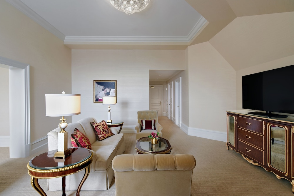 Living Area, Trump International Hotel Washington DC