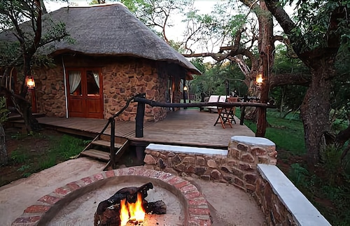 Property Grounds, Zenzele River Lodge