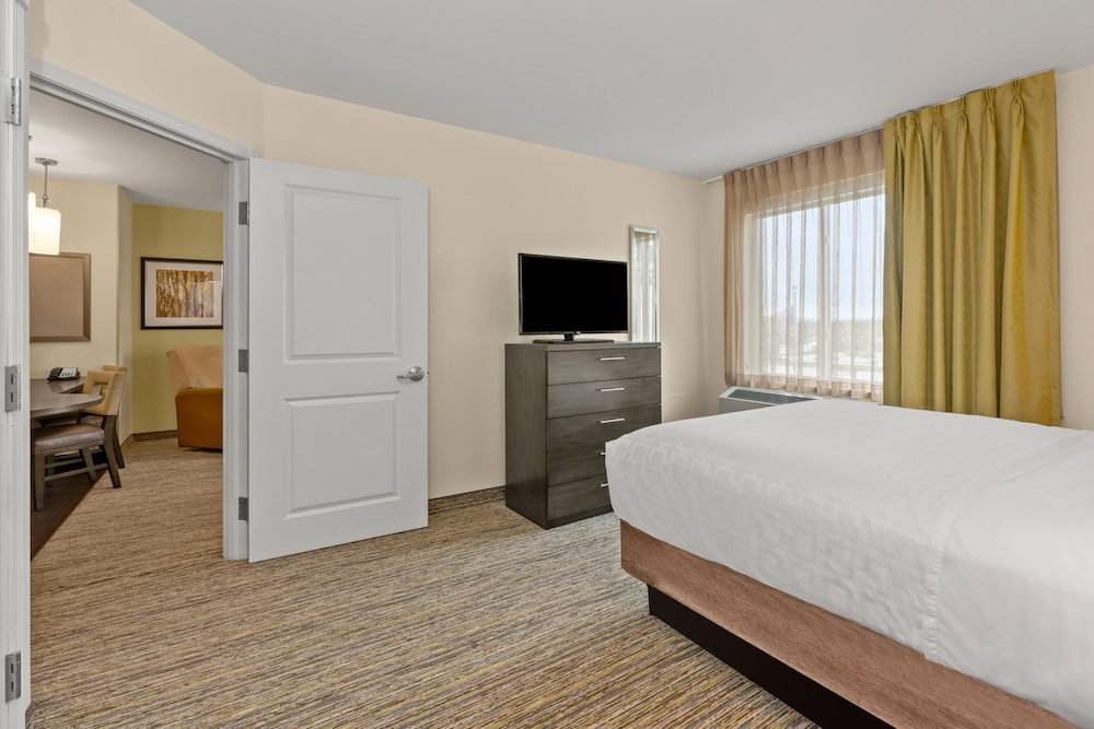 Room, Candlewood Suites Fairbanks, an IHG Hotel