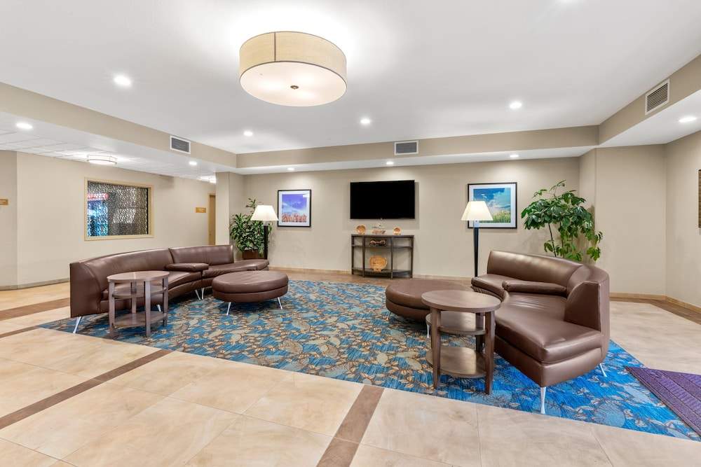 Lobby, Candlewood Suites Fairbanks, an IHG Hotel