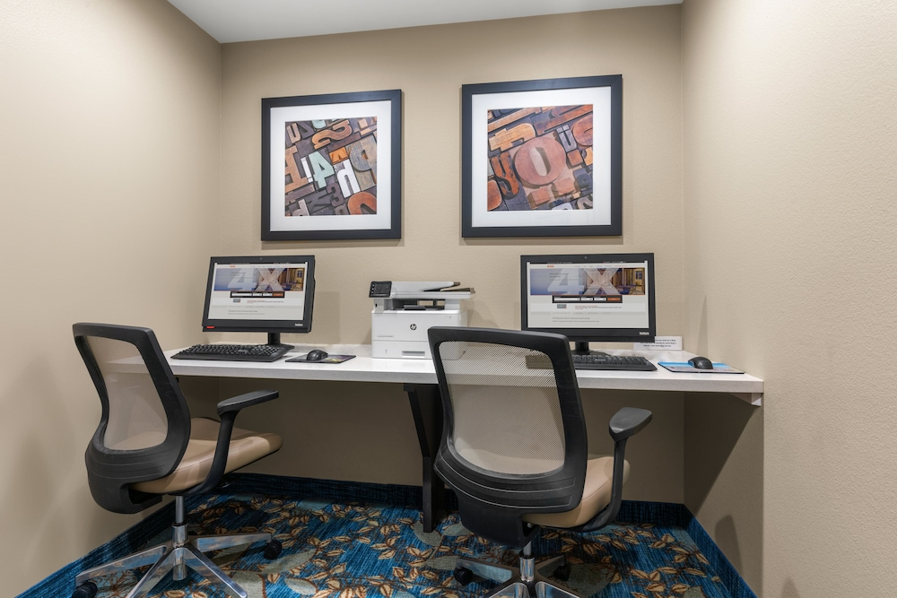 Business Center, Candlewood Suites Fairbanks, an IHG Hotel