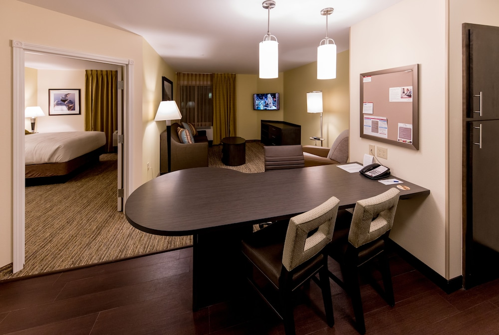 Room Amenity, Candlewood Suites Fairbanks, an IHG Hotel