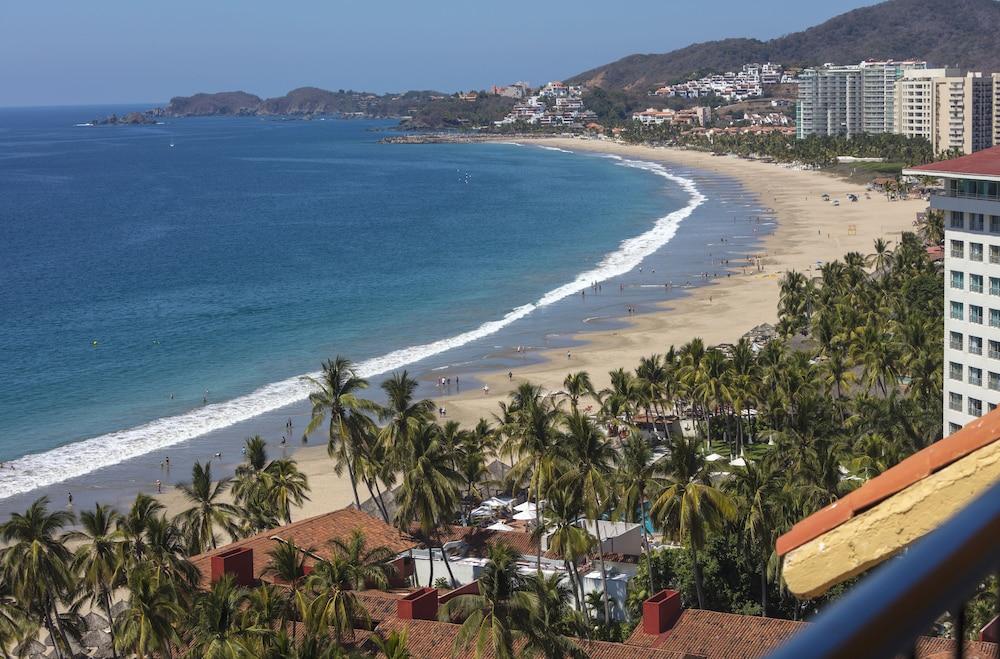 Holiday Inn Ixtapa All Inclusive in Ixtapa - Zihuatanejo | Hotel Rates &  Reviews on Orbitz
