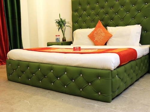 Best Extended Stay Hotels in Greater Noida for 2020: $22