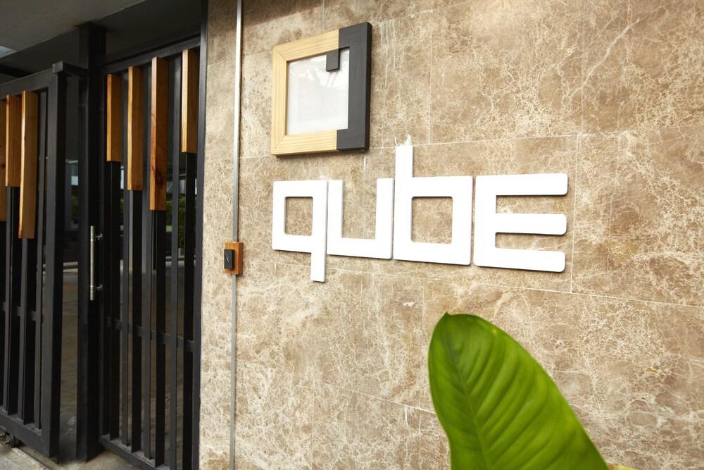 Vasca Da Bagno Qube : Qube suites sukhumvit bangkok tailandia expedia.it