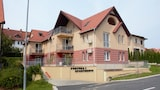 Fortuna 7 Apartments - Heviz Hotels