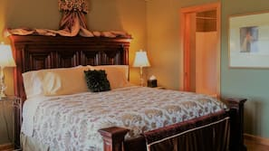 1 bedroom, pillowtop beds, desk, iron/ironing board
