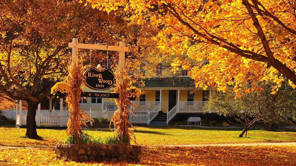 Featured Image, RiverWood Inn