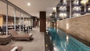 Kolam renang outdoor