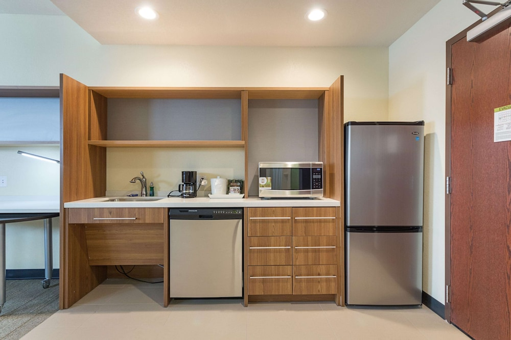 Private Kitchen, Home2 Suites by Hilton Oklahoma City Yukon