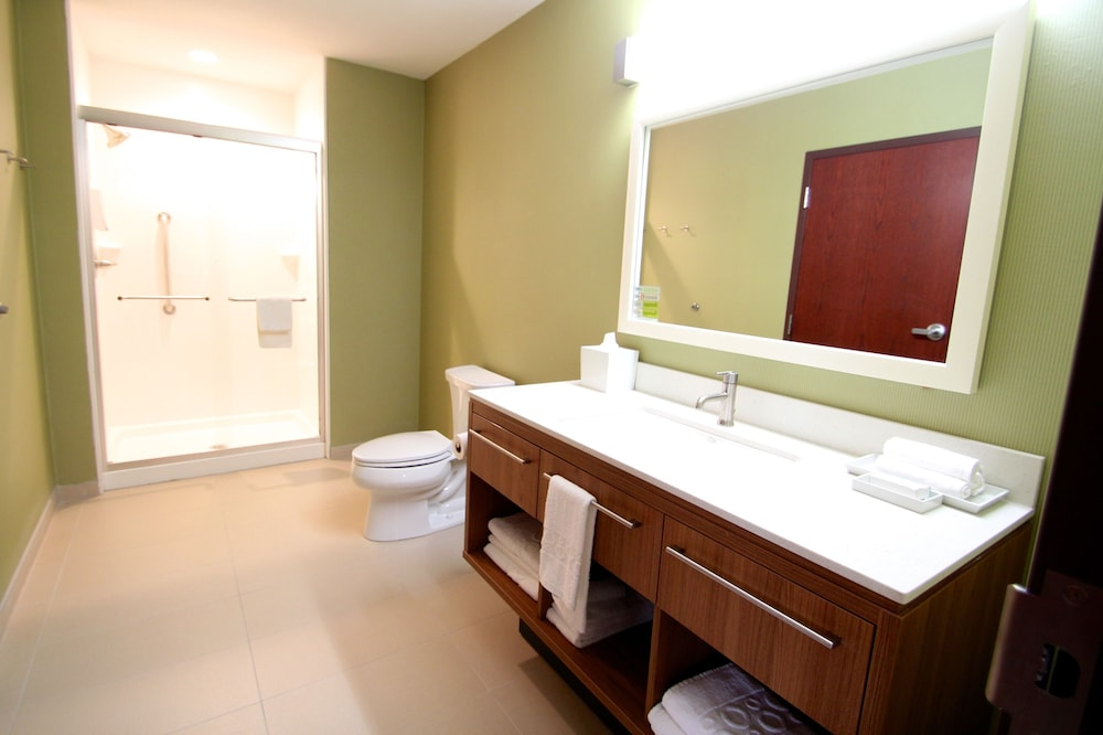 Bathroom, Home2 Suites by Hilton Oklahoma City Yukon