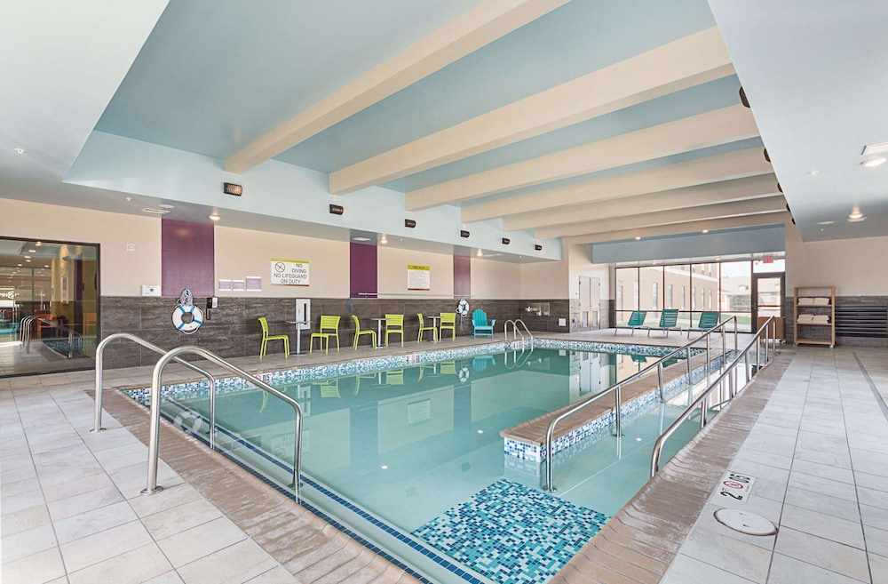 Pool, Home2 Suites by Hilton Oklahoma City Yukon