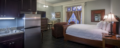 Great Place to stay Chipman Hill Suites - Pratt House near Saint John