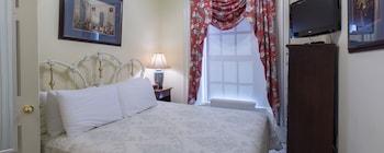 Chipman Hill Suites - Senator Dever House