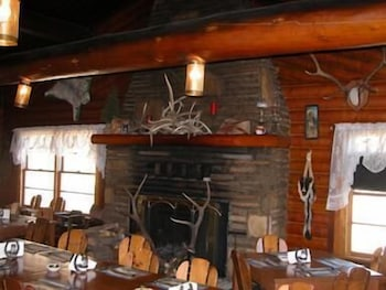 Restaurant, South Fork Mountain Lodge