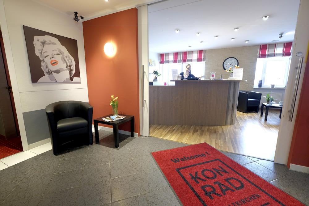 Hotel konrad poetzel holzkirchen in holzkirchen hotel for Holz küchen