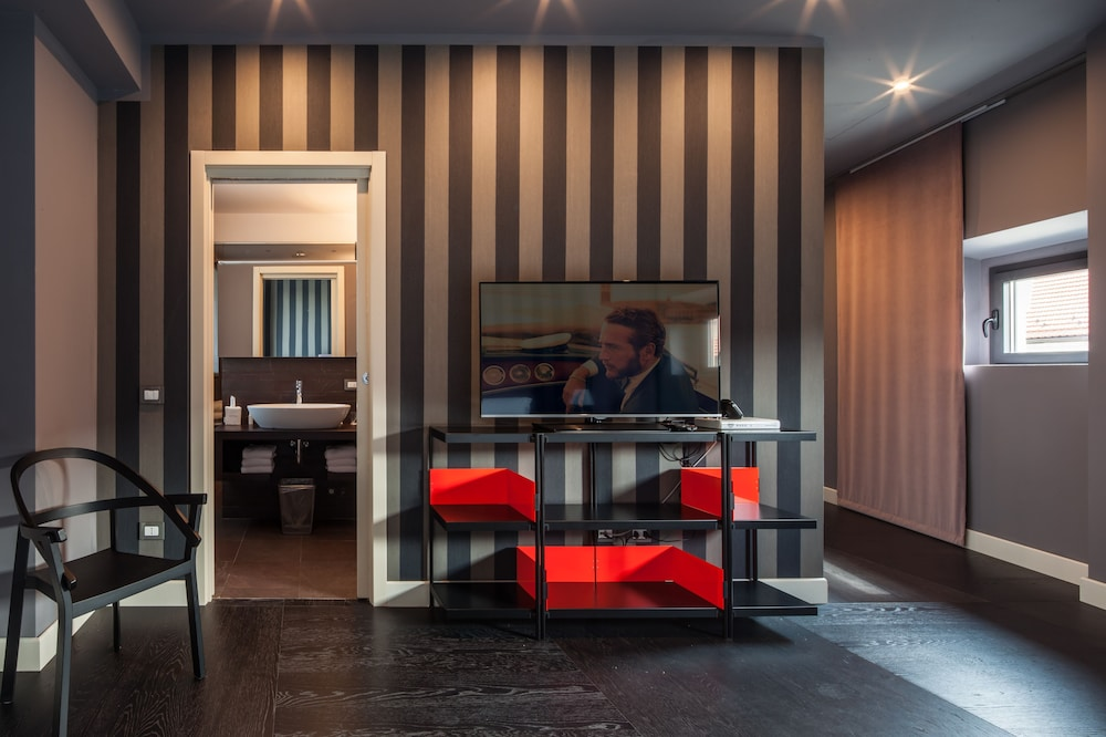 Fifty House Luxury Hotel Milan
