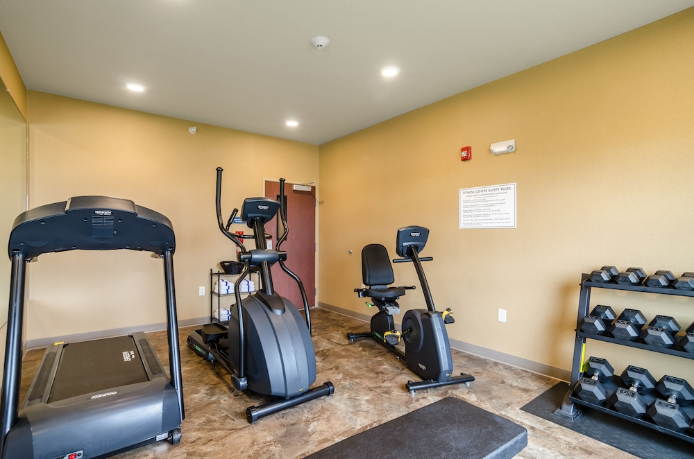 Sports Facility, Cobblestone Hotel & Suites - McCook