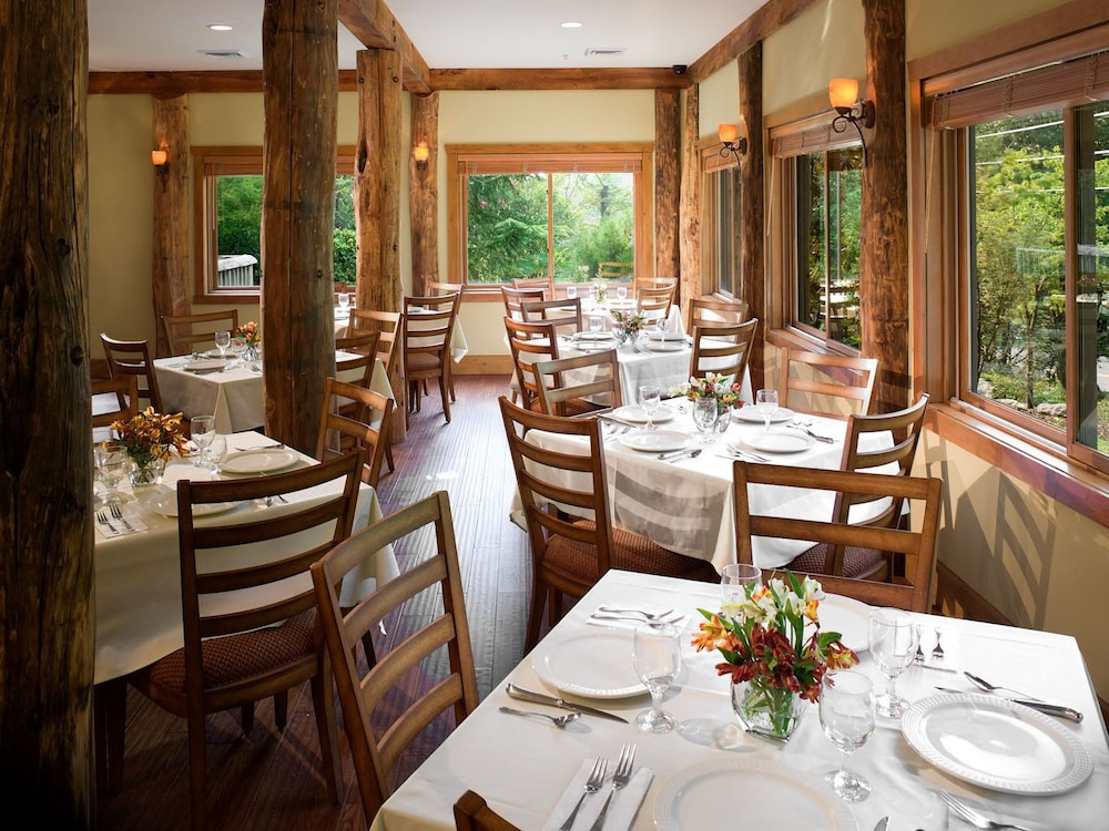 Restaurant, The Esmeralda Inn at Lake Lure