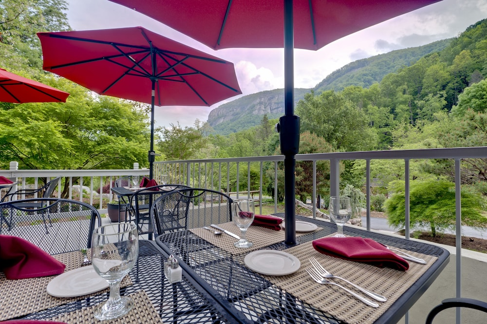 Outdoor Dining, The Esmeralda Inn at Lake Lure