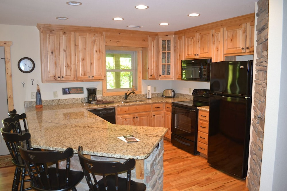 Private Kitchen, The Esmeralda Inn at Lake Lure
