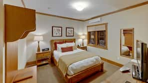 1 bedroom, Egyptian cotton sheets, premium bedding, pillowtop beds