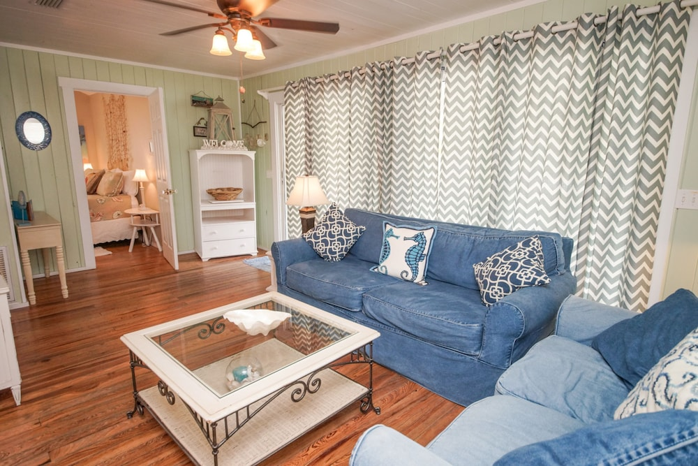 Featured Image, Anna Maria Beach Cottages