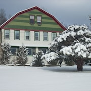 Gateway Lodge Bed & Breakfast