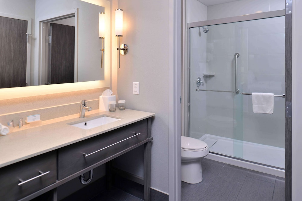 Bathroom, Homewood Suites by Hilton Trophy Club Southlake