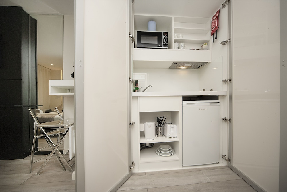 Private Kitchenette, 88 Studios Kensington