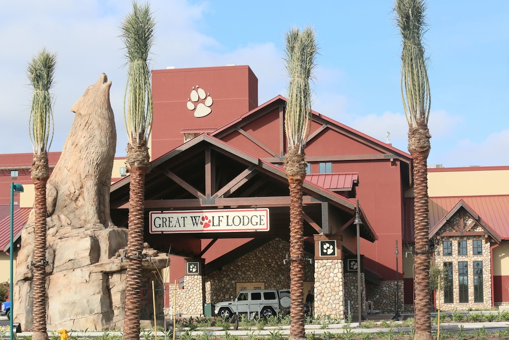 Great Wolf Lodge Anaheim, CA in Garden Grove, CA | Expedia
