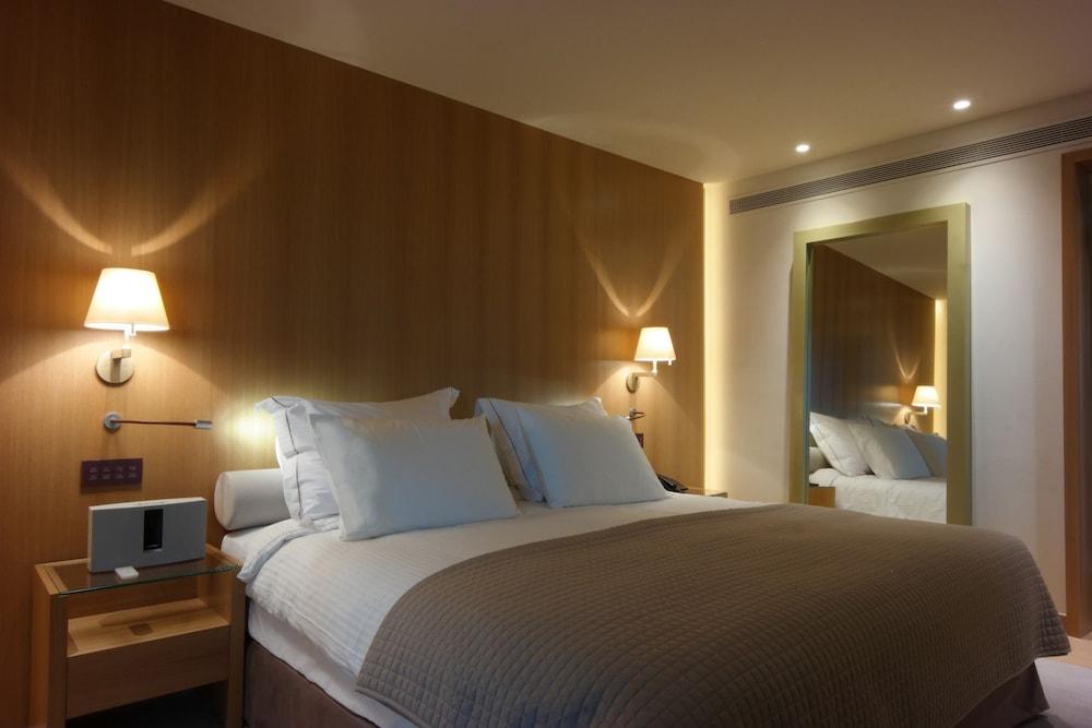 Book somewhere boutique hotel vouliagmeni vari voula for Best boutique hotels athens