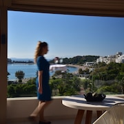 Somewhere Boutique Hotel Vouliagmeni