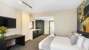 Minibar, in-room safe, iron/ironing board, WiFi