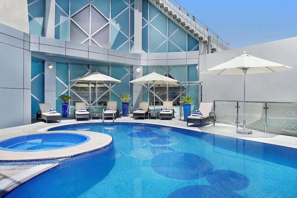 Book city seasons towers dubai hotel deals for Hotels in dubai city