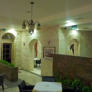 Alhambra Palace Hotel Suites & Resort