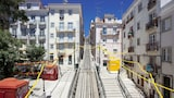Ascensor da Bica - Lisbon Serviced Apartments - Lisbon Hotels