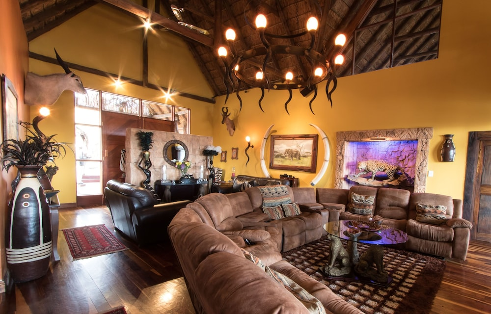 Interior, Phumelelo Lodge