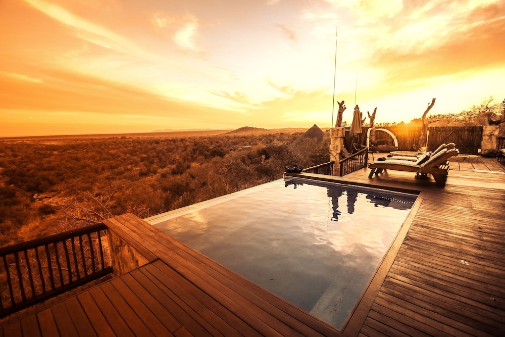 Infinity Pool, Phumelelo Lodge