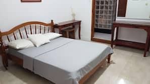 Zimmersafe, Bügeleisen/Bügelbrett, kostenloses WLAN