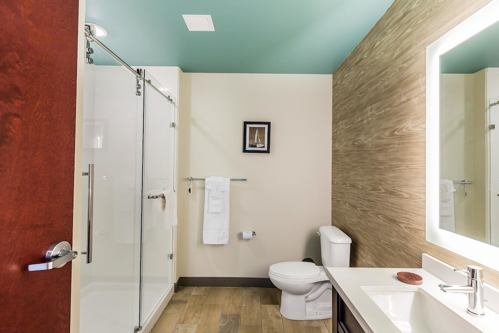 Bathroom, Marina Bay Hotel & Suites, Ascend Hotel Collection