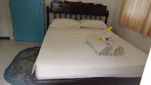 2 Schlafzimmer, hochwertige Bettwaren, Bügeleisen/Bügelbrett