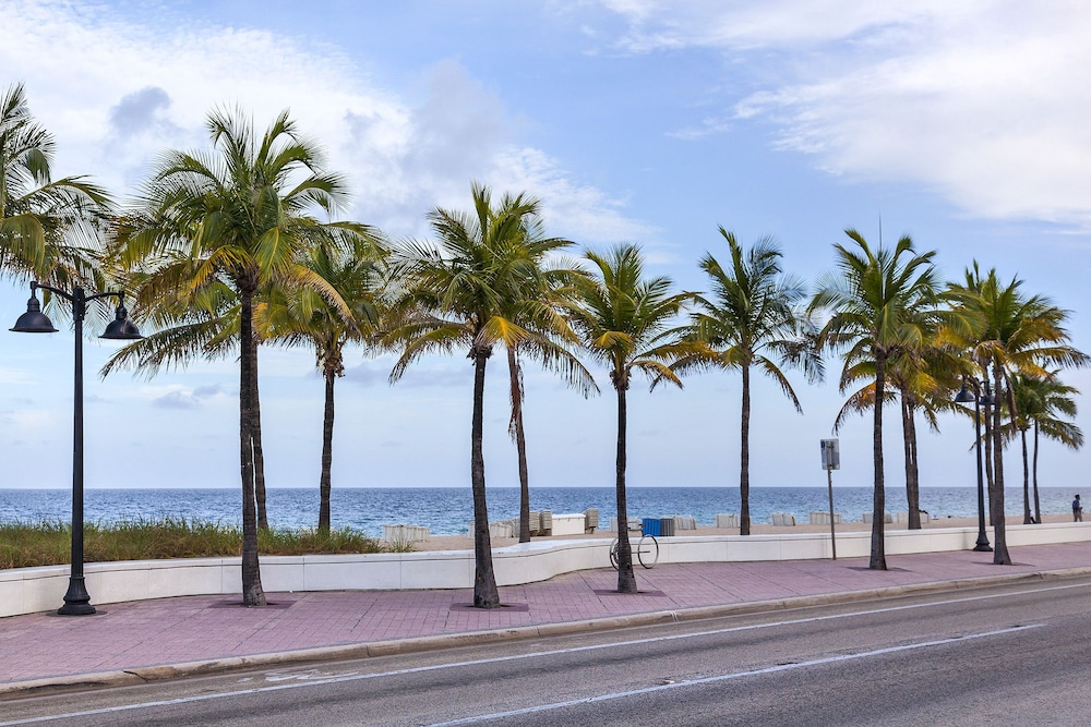 Ocean Beach Club Hotel In Fort Lauderdale Hotel Rates Reviews On