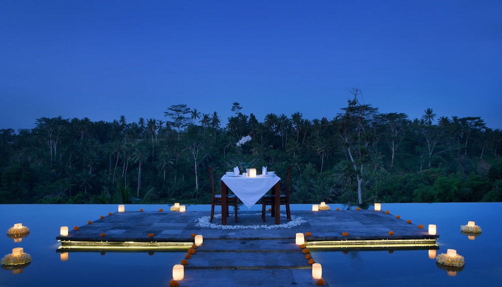 Couples Dining, Jannata Resort and Spa
