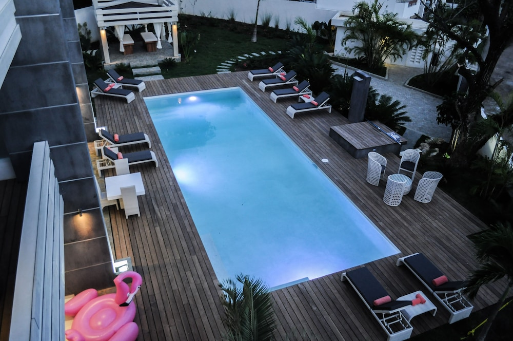 Outdoor Pool, CASA-22 Luxury Boutique Hotel