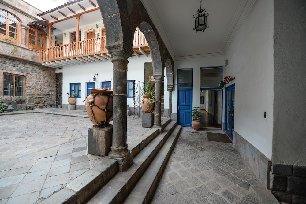 Property Entrance, Yabar Hotel Plaza