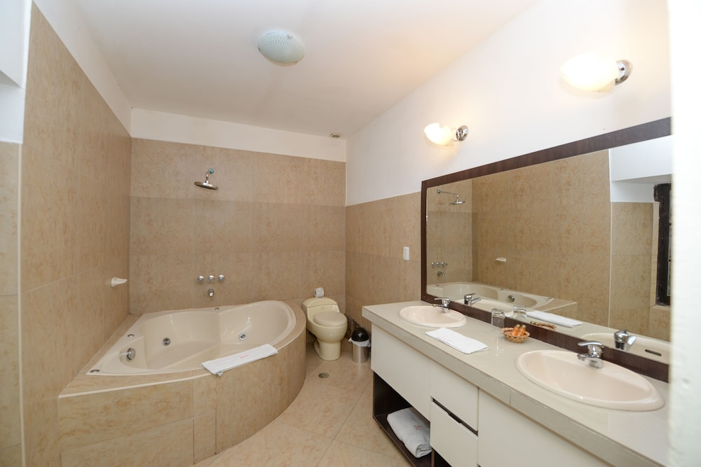 Jetted Tub, Yabar Hotel Plaza
