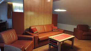 Minibar, coffre-forts dans les chambres, bureau, Wi-Fi gratuit