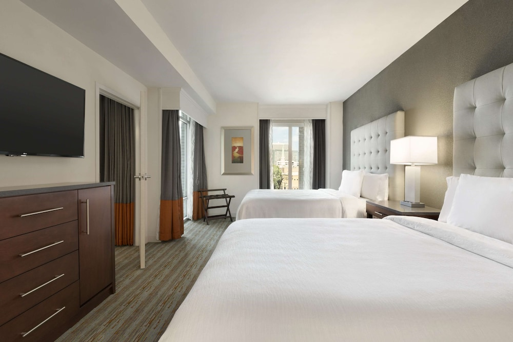 Room, Embassy Suites by Hilton Greenville Downtown Riverplace
