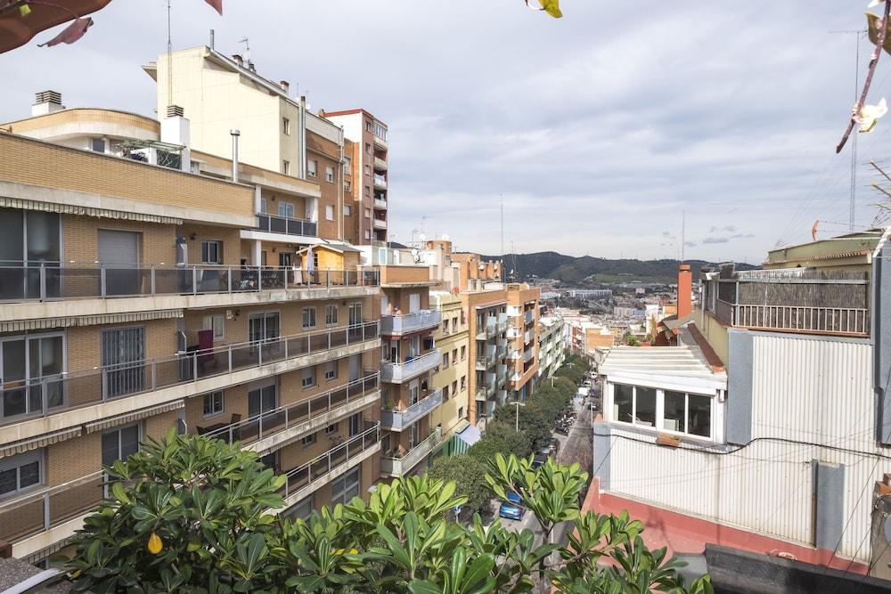 Book tico terraza barbacoa park g ell barcelona hotel - Atico terraza barcelona ...